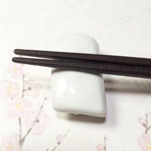 sushi chopstick rest