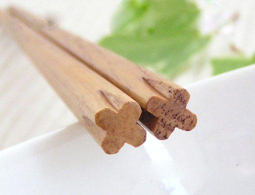 Chestnut Wood Chopsticks Clover